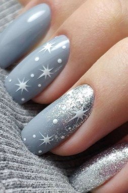 20 Fashionable Patterns For Winter Nail Arts 19