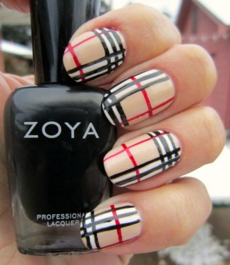 20 Fashionable Patterns For Winter Nail Arts 27