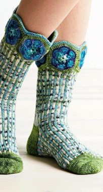 21 Best Crochet FREE Sock Patterns For Adults And Children 23