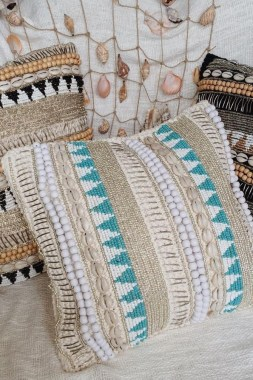 21 Free Knitted Pillows For Home Decoration New 19