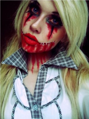 21 Pretty But Scary Clown Makeup For Teen Girls 05