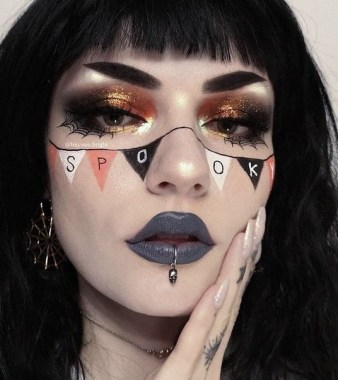 21 Pretty But Scary Clown Makeup For Teen Girls 20