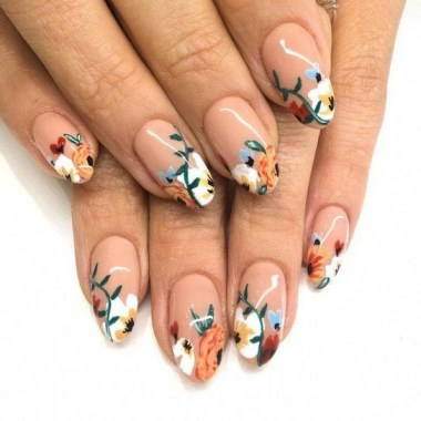 22 Cute Flower Nail Art To Try For The Spring 14