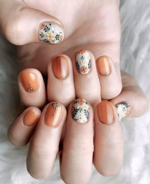 22 Cute Flower Nail Art To Try For The Spring 20