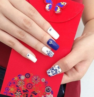 22 Cute Flower Nail Art To Try For The Spring 23
