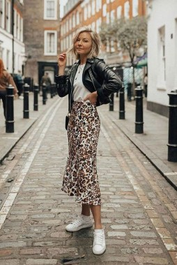23 Best Casual Skirt For Your Daily Activities During Fall 11