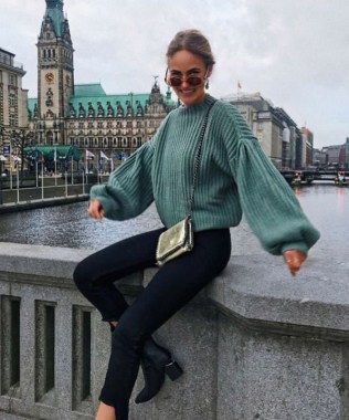 23 Top Crochet Fashion Share Their Go To Winter Styling Tips 03