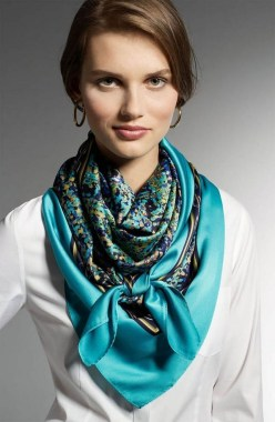 23 Ways To Wear Scarf For Thanksgiving And Christmas 18