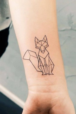 24 Minimalist Men Tattoo Design That Can Be Inspired 19
