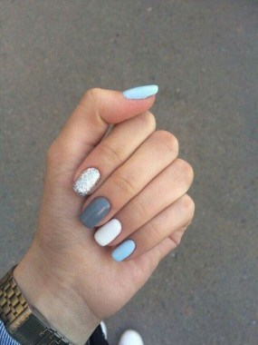 25 Look Adorable With These Manicure Tips And Designs For Short Nails 27
