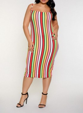 25 Vertical Striped Outfits For Plus Size Women Dos And Donts 08