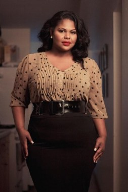 26 Awesome Dark Colour Outfit Ideas For Curvy Women 09