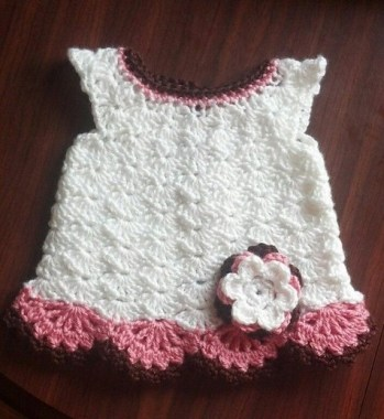 26 Free Precious Crochet Newborn Dress Patterns 27
