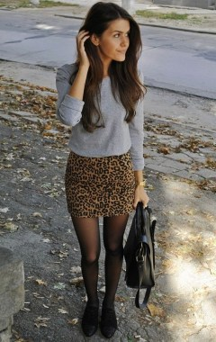 26 Looking More Beautiful With Leopard Satin Skirt As Your Fall Outfit 24