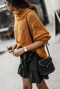 27 Trendy Ways To Wear Knitted Winter Sweaters 14