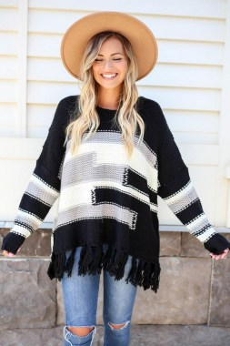 27 Trendy Ways To Wear Knitted Winter Sweaters 21
