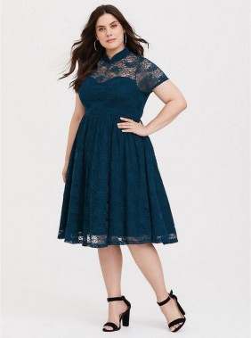 28 Rules To Choose The Best Dresses For Plus Size Women 05
