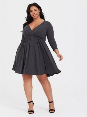 28 Rules To Choose The Best Dresses For Plus Size Women 31