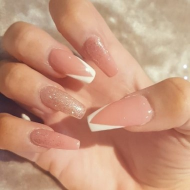 29 Beautiful And Luxurius Nail Design For Party 24