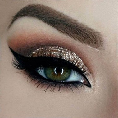 29 Magical Eye Makeup Idea You Can Do At Home 02
