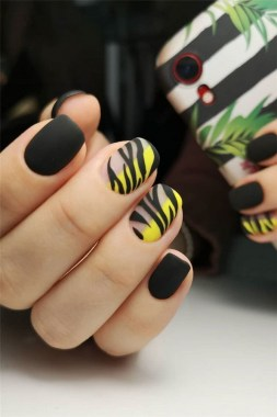 30 Are You A Beginner Polish Your Nails With These Easy Nail Art 06