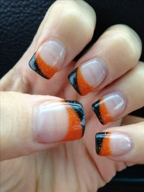 30 Sweet Spooky Halloween Nail Art Ideas For A Costume Party 27