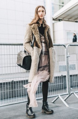 33 Fashionable Winter Coats From Paris Fashion Week 04