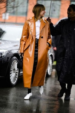 33 Fashionable Winter Coats From Paris Fashion Week 30