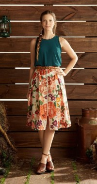 35 Enjoy Your College Time During Fall With This Floral Skirt 33