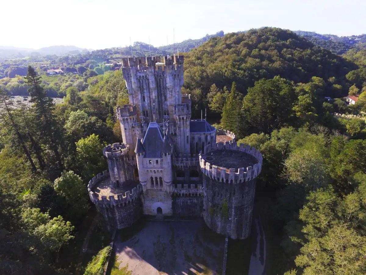 Que ver en Bilbao y Vizcaya, castillo de Butrón en Uribe
