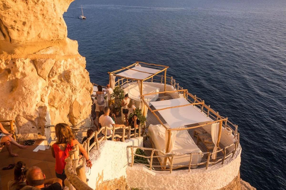Que ver en Menorca, Cova d'en Xoroi