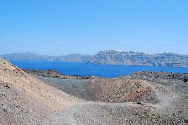 Caldera volcánica de Nea Kameni en Santorini