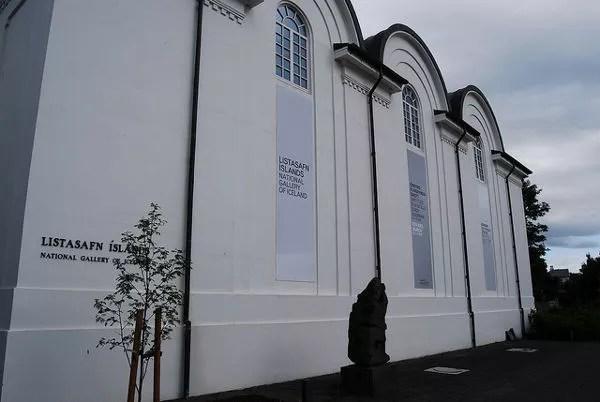 Edificio de la Galería Nacional de Islandia en Reikiavik
