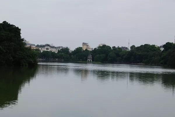 El lago Hoan Kiem de Hanoi