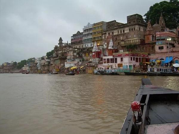 En barcaza por el Ganges