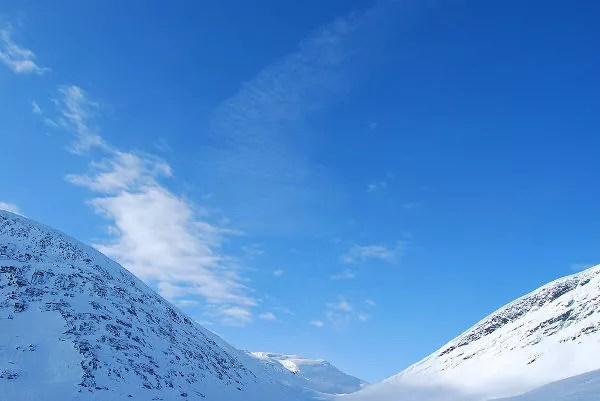 Entre el valle Tjäktjavagge en Laponia Sueca