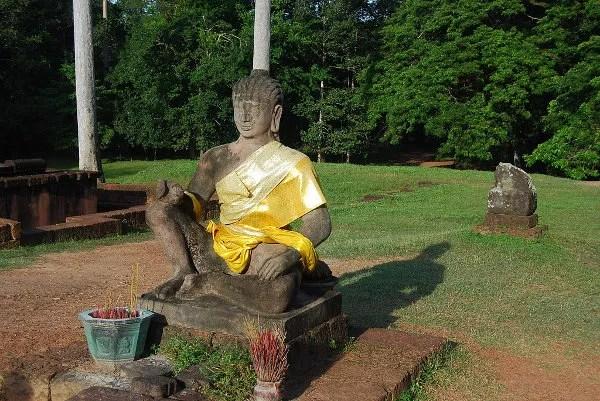 Estatua en la Terraza del Rey Leproso