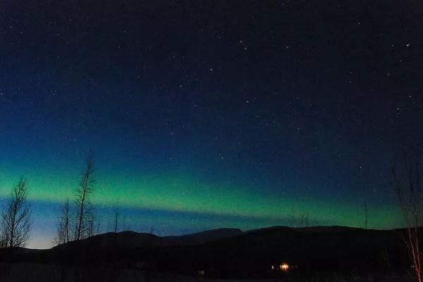 Estelas de Aurora Boreal en Laponia