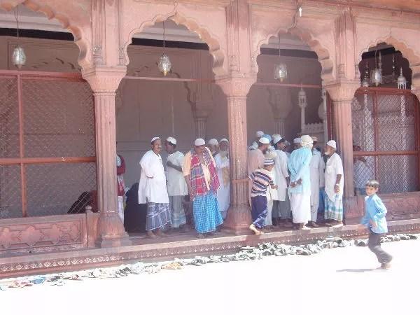 Fieles en Jama Masjid