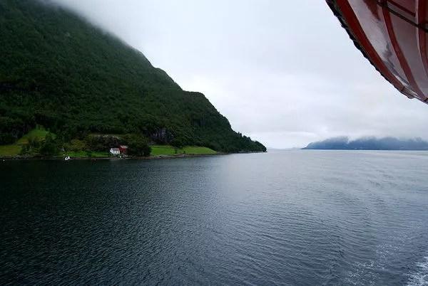 Fiordo Geiranger desde el crucero Hurtigruten