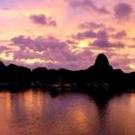 Fotos Bahía de Ha Long en Vietnam, de color lila