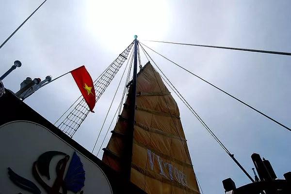 Fotos Bahía de Ha Long en Vietnam, velero de juncos