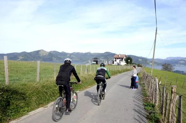 Fotos Goierri - ruta Idiazabal, Vero, Teo, Oriol y ciclistas