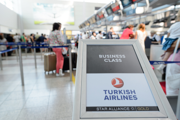 Fotos Turkish Ailines clase business, acceso a mostradores