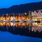 Fotos de Bergen en Noruega, Bryggen de noche
