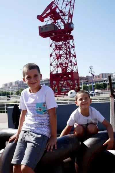 Fotos de Bilbao, Oriol y Teo grua La Carola