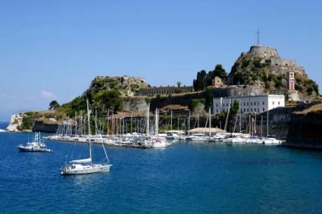 Fotos de Corfu en Grecia, Fortaleza Vieja y barcos