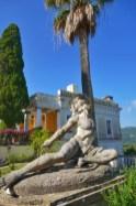 Fotos de Corfu en Grecia, PalacioAchilleion estatua de Aquiles vertical
