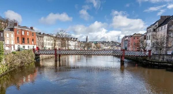 Fotos de Cork en Irlanda, puentes y rio Lee