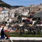 Fotos de Cuenca, familia en el Museo de Paleontología de Castilla-La Mancha (MUPA)
